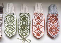 Vottemønster,Sokkemønster ,mønster til pannebånd og mini Selbu 🐑🇳🇴   FINN.no Knit Mittens, Holidays And Events, Knitting Patterns, Gloves, Monogram, Socks, Crochet, Mini, Threading