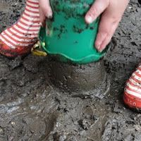 International mud day is June 29th.  Here are 30 dirty activities for kids!