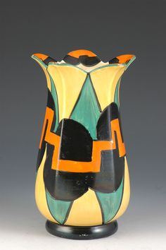 Clarice Cliff 361 Shaped Vase - Castellated Circle Pattern - Bizarre marked - 1929