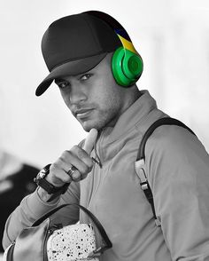 Image about nike in Neymar jr. Neymar Jr, Best Mens Fashion, Men's Fashion, Beats By Dre, Best Player, Urban Outfits, Psg, Soccer Players, Cristiano Ronaldo