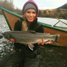 The greatest smallmouth bass fishing Fly Fishing Girls, Usa Fishing, Kayak Fishing, Fishing Tips, Women Fishing, Pretty Fish, Beautiful Fish, Bass Fishing Shirts, Walleye Fishing
