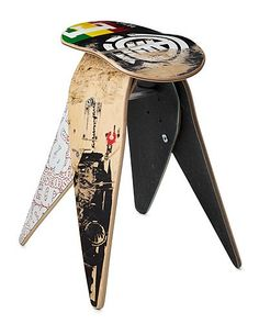 Skateboard Furniture made with a skateboard to use as a footrest, stool or simply as a decoration element to decorate … Skateboard Furniture, Skateboard Decks, Skateboard Room, Funky Furniture, Recycled Furniture, Steel Furniture, House Furniture, Furniture Ideas, Maker
