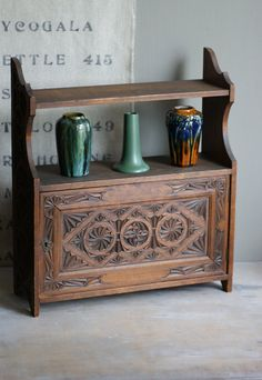 More beautiful carving.  Love the pottery as well.  Very Art Nouveau.