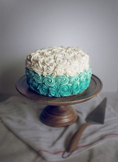 Turquoise ombre effect?