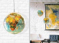 Lámparas decorativas elaboradas con globos terráqueos.