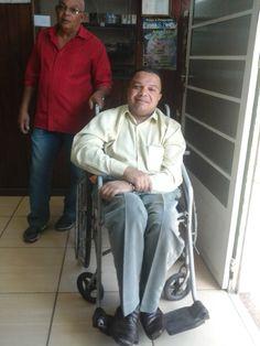 IRMÃO ALEX (O CADEIRANTE) SENDO RECEBIDO COMO MEMBRO DA IPDA-SUCURSAL DE BARRA DO PIRAÍ- RJ,NO DIA 17/5/15