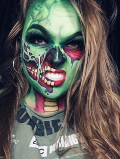 #fashion #zombiemakeup #popart #popartzombie #bodyart #halloweenmakeup #fxmakeup #sfxmakeupartist #makeupideas #artisticmakeup Zombie Make Up, Pop Art, Makeup Art, Makeup Looks, Halloween Face Makeup, Artist, Pop Art Makeup, Make Up Styles, Make Up Looks