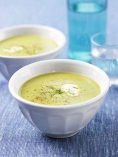 Prova vår ljuvligt goda gröna ärtsoppa!