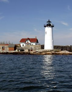 Portsmouth Harbor Lighthouse, New Hampshire at Lighthousefriends.com