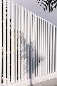 Tenerife (2016) Fence Gate Design, Modern Fence Design, Privacy Fence Designs, House Gate Design, Fence Art, Entrance Design, Mid Century Landscaping, Modern Landscaping, Metal Garden Gates