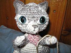 Crochetting Cat with custom eyes