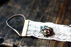 Charlotte_lace_earring_holder_sm