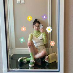 Ioi Pinky, Chinese Actress, Ulzzang Girl, Nayeon, Girl Crushes, Kpop Girls, Pretty Woman, Girl Group, Cool Girl