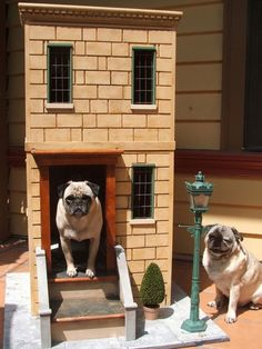 You know the old saying about being in the doghouse? After doing a bit of research on the web, we can't say that the doghouse seems half bad these days, what with mini food trucks, custom-built barns, and even a doghouse with a rooftop garden! Here are 15 doghouses made for pups with only the most refined design taste.