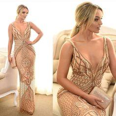 vestido de festa nude dourado Stunning Dresses, Pretty Dresses, Sexy Dresses, Evening Dresses, Fashion Dresses, Prom Dresses, Vestidos Sexy, Dress Vestidos, Golden Dress