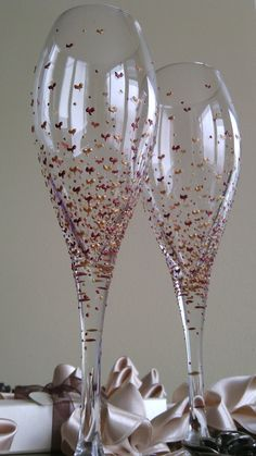 Set of 2 hand painted white wine. champagne by PaintedGlassBiliana, $39.00