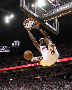 detailed look 5ace7 cbc1e Photo Poster of LeBron James by Mike Ehrmann  10x8in Lakers Celtics,  Boston Celtics