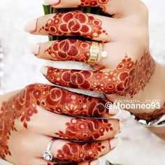 ! Checkout this henna design!!Tag @vava_beauty #vava_beauty to be featured! @mooaneo93  ________________________________________  #vavabeauty #vava_beauty #henna #hennatattoo #hennadesign #fashion #hennaart #mehndi #mehndidesign #art #hennaartist #beautyblogger #beauty #makeupslaves #makeupblogger #makeupartist #lookoftheday #fashiondiaries #fashionpost #styleblogger #wedding #lifestyleblogger #makeupaddict #hudabeauty #hennainspo