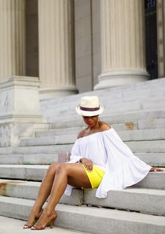 Economy of Style Beyoncé Inspired: Stepping Out in Lemonade-Yellow Shorts