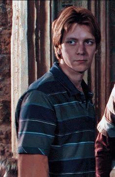 Estilo Harry Potter, Harry Potter Feels, Harry Potter Icons, Harry Potter Tumblr, Harry Potter Pictures, Harry Potter Cast, Harry Potter Characters, Weasley Twins, Ron Weasley