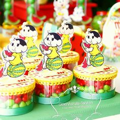 E quando a fofura ultrapassa todos os limites! ❤❤ Apaixonada pela Magali!!! #desenhandosonhos #magali #caixamaleta #turmadamônica #festamagali #personalizadosmagali #tatyrigodecoração Malu, Minnie, Mini Cupcakes, Alice, Watermelon, Little Girls, Birthday Cake, Party, Kids