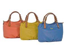Hammered leather bag by Cuoieria Fiorentina. More info at: http://www.cuoieriafiorentina.it/en/shop/prodotti/donna/borse/