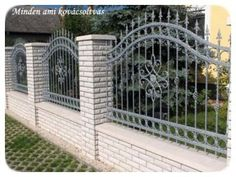 Wrought Iron Decor, Wrought Iron Fences, Front Fence, Fence Gate, Modern Fence Design, Boundary Walls, Gate Design, Garden Fencing, Grills