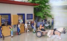 Toy Dreamer: Information on Schleich collecting and how to get some of the rarer Schleich figures. A Brief Look at Collecting Schleich Horses by Linda Marikar Schleich Horses Stable, Horse Stables, Horse Barns, Lippizaner, Farm Life, Dog Life, Horse Background, Bryer Horses, Horse Barn Plans