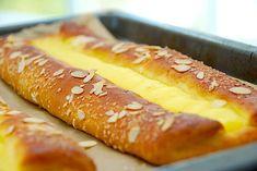 eggless mug cake Soul Food, Hot Dog Buns, Recipies, Brunch, Food And Drink, Cookies, Cake, Desserts, Marmalade