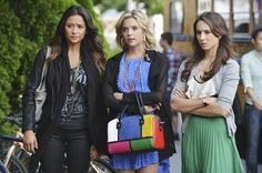 Pretty Little Liars outfits loveeeee Hannah's and Spencer's!