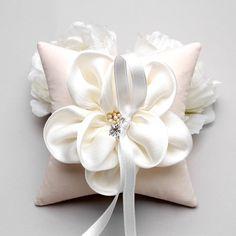 Oreiller de bague - bague de mariage oreiller, oreiller de bague fleur, oreiller porteur d'anneau