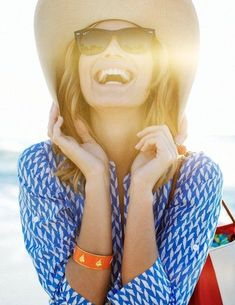 Cool Cute Summer Outfits a printed shirt and white jeans with maybe a pop of color bangle or shoe is a gr... Check more at http://24shop.ga/fashion/cute-summer-outfits-a-printed-shirt-and-white-jeans-with-maybe-a-pop-of-color-bangle-or-shoe-is-a-gr/