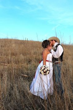 Rustic Vineyard Barn Wedding Sunset  bodegavictoriana.com