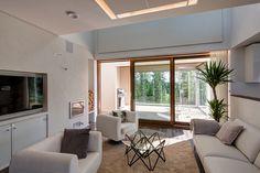 Profin lasiliukuseinät ja muut ikkuna- ja ovituotteet ovat arktiseen rakentamiseen soveltuvia ovia, niiden avulla luodaan avaruuden tuntua ja saavutetaan ensiluokkainen tilakokemus.