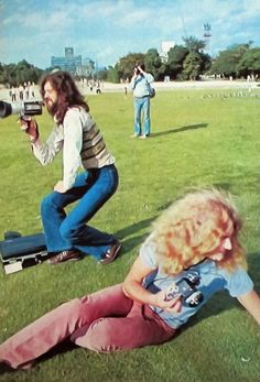 Jimmy Page & Robert Plant of Led Zeppelin (Hiroshima, Japan 1971). photo by Koh Hasebe