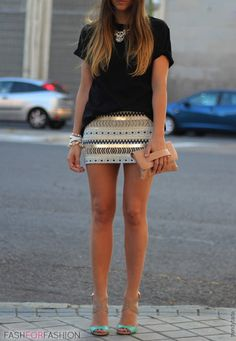 Mini skirt, loose t shirt and bight shoes