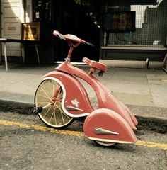 Retro trike - would love this in an adult size! And maybe in a deep plum or metallic black color...