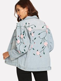 To find out about the Flower Appliques Denim Jacket at SHEIN, part of our latest Denim Jackets ready to shop online today! Demin Jacket Outfits, Blazer Vest, Vestido Charro, Coats For Women, Clothes For Women, Girls Coats, Flower Applique, Denim Overalls, Denim Coat