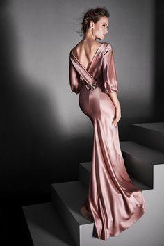 Alberta Ferretti #VogueRussia #couture #fallwinter2017 #AlbertaFerretti #VogueCollections