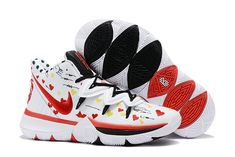 The Nike Kyrie 5 features colored hearts covering the entire upper, with an oversized embroidered rose logo on the heel completed with a polka dot interior. Kd Shoes, New Jordans Shoes, Air Jordans, Cheap Shoes, Nike Air Force, Nike Air Max, Nike Kyrie, Kyrie 5, Nike Lebron