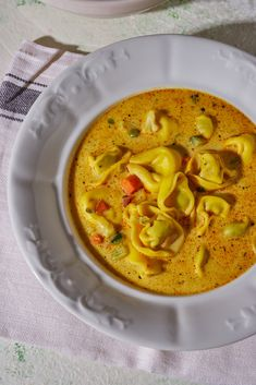 Budapest, Thai Red Curry, Yummy Food, Ethnic Recipes, Kitchen, Cooking, Delicious Food, Kitchens, Cuisine