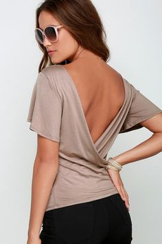 We're giving you the scoop on the cutest top we have: the Scoop De Loop Light Brown Short Sleeve Top! Stretchy jersey knit shapes a fitted bodice, short fluttering sleeves, and a rounded neckline with a draping accent that loops below a sultry open back. Unlined. 96% Polyester, 4% Spandex. Hand Wash Cold. Made with Love in the U.S.A.