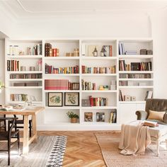 Pladur: how much do the walls, partitions and custom furniture of plasterboard cost? Tyni House, House Rooms, Home Libraries, Built In Bookcase, Large Bookcase, Piece A Vivre, Interior Decorating, Interior Design, Room Shelves
