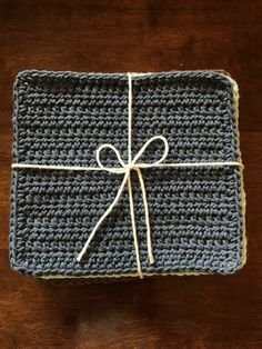 I decided to do a little refresh on the washcloth I posted almost 4 years ago. Crazy how times flies so quickly! I have made a few changes and added some more photos to help you along the way. Crochet Dishcloths, Crochet Yarn, Crochet Stitches, Crotchet, Beginner Crochet Tutorial, Crochet For Beginners, Yarn Projects, Crochet Projects, Sewing Projects