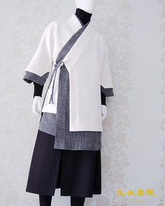 #남자생활한복 디자인 언밸런스 도련 M 두루마기 위에 O 두루마기 디자인 카피보다는 많은 응원과 사랑 부탁드립니다. 문의. 방문예약… Korean Traditional Dress, Traditional Dresses, Japanese Outfits, Korean Outfits, Korean Fashion, Mens Fashion, Fashion Outfits, Modern Hanbok, Korean Dress