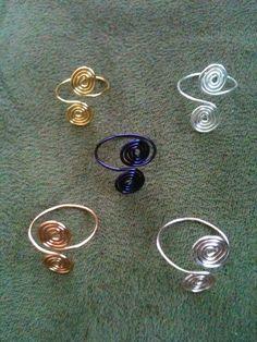 Spiral toe rings, set of 5. $14.00, via Etsy.