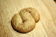 Kaneliässät - Cinnamon S-shaped cookies