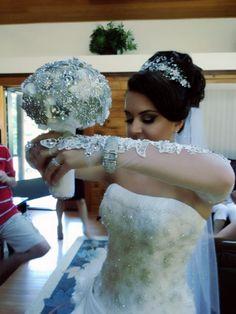 Albanian bride nuse brooch bouquet kosovare