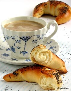 Smaczna Pyza: Rogale maślane z makiem Bagel, Baking, Breakfast, Tableware, Polish, Morning Coffee, Dinnerware, Vitreous Enamel, Bakken
