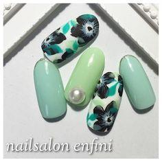 「〜infiorare/green〜  #nail#gelnail#gelart#nailart#acegel#ネイル#ネイルアート#ジェルネイル#ジェルアート#エースジェル#ネイルデザイン#花柄#フラワー#春ネイル#flower#pearl #パール#ワンカラー」